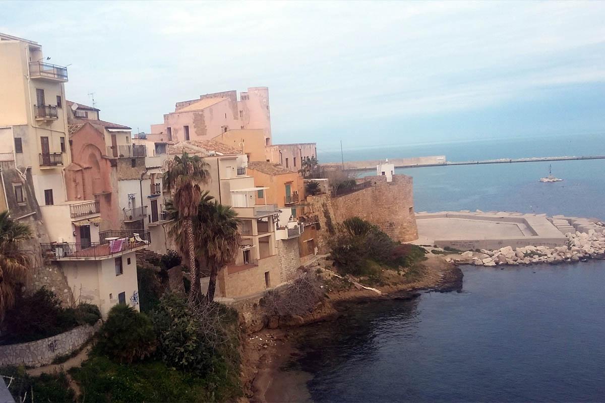Castello Foto ReHu